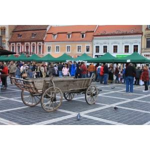 Piata Taraneasca de Sfantul Dumitru in Piata Sfatului Brasov