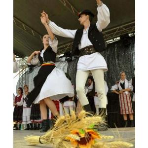 Piata Taraneasca si Mester(Esti) la Brasov