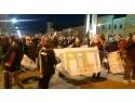Voluntarii IMPACT, liceeni şi profesori, au ieşit în centrul Clujului pentru