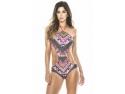 Clessidra da tonul modei de vara - costume de baie in trend audio market