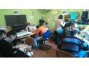 copii cu dizabilitati. Atelier lucrativ pentru tineri cu dizabilitati mintale severe