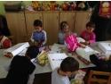 manuale scolare. KeepCalling doneaza rechizite scolare unei gradinite din judetul Sibiu