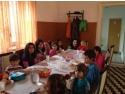 """scaune de masa copii. KeepCalling ofera """"O masa calda"""" timp de 8 saptamani pentru 13 copii din Sibiu"""
