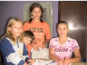 lemne de foc. ajutor umanitar pentru 4 fetite orfane