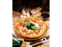 La Pizza Adrian gasiti o varietate de sortimente de pizza Answer Print