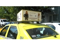 Evia. Caseta luminoasa pe taxi tip 3 D
