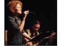 Miercuri, 16 mai, Maria Raducanu si Maxim Belciug pornesc intr-un nou pelerinaj pentru voce si chitara