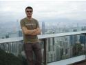 yoga blogger. Razvan Pascu in Hong Kong