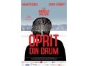 ecran de proiectie. OPRIT DIN DRUM: proiectie everniment pe 10 MAI 2013, ora 18.30, la Noul Cinematograf al Regizorului Român, la Muzeul Taranului Eoman