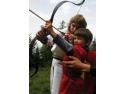 tir talere. Tabăra Medievală Pentru Copii îşi aşteaptă cavalerii şi domniţele