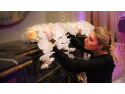 tapet floral. Alina Neacsa - Master trainer - creatoarea brandului Flori cu Fitze Academy