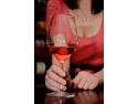 "vin rose. ""Primavara in rose"", vinuri rose la papioane si preturi speciale"