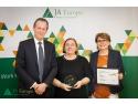 Foto: Jo Deblaere - CEO Europe Accenture si Chairman al board-ului JA Europe, Stefania Popp - CEO JA Romania, Camelia Horlaci, Chairman al board-ului JA Romania