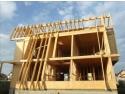 ferestre de lemn. Oare de ce casele din lemn sunt realmente constructii durabile?