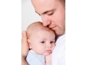 Implicarea egala a tatalui in cresterea copilului este benefica pentru copil.