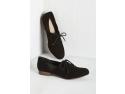 Nenumarate modele de pantofi potriviti fiecarei ocazii, doar pe Zibra.ro! 2011