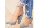 sandale cu toc. Sa purtam pantofi cu toc!