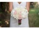 Mary's Flower Superhead. Flowers of Joy aduce clipe de emoție nunții tale printr-un design floral complet unic