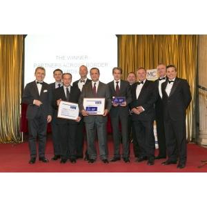 Hands Across Romania. Premiul Partners Across Borders 2013 a ajuns în România!