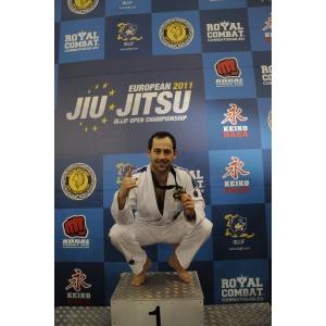 George Mihaita. Tudor Mihaita pe podiumul Campionatului European de BJJ
