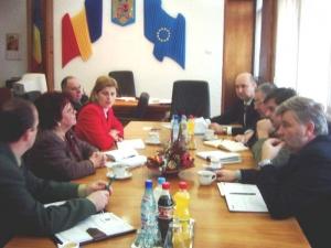 Pentru prima dată de la numirea sa în funcţie Prefectul Radu Bud a prezidat săptămânala şedinţă a Comitetului Operativ Consultativ Satu Mare