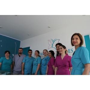 Medicine & Smiles iti ofera medici specialisti si cabinete ultramoderne