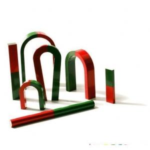 magneti. Avem magneti neodim, ferita si alte produse magnetice, precum magnetii educationali AlNiCo