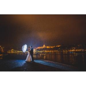 Pastrati vie amintirea nuntii voastre - o echipa de fotografi profesionisti va poate ajuta!