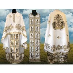 Practica crestin-ortodoxa pentru vesmintele necesare in timpul slujirii