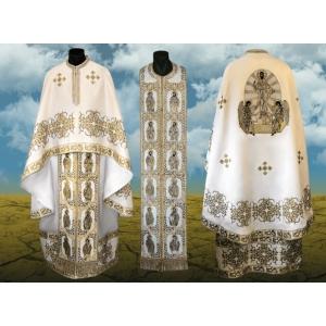 Vesmintele preotesti traditionale, de la Crilovic - emblematice pentru slujitorii altarelor