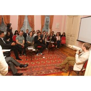 business club dignitas. O intalnire dinamica, sub semnul creativitatii, colaborarii si dialogului constructiv