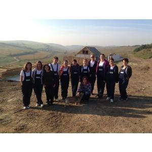 Habitat. KeepCalling& Habitat for Humanity: teambuilding pe santier