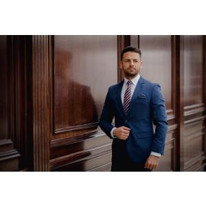 Ești fanul cravatei sau al papionului? Ce alegere trebuie să facă mirele anului 2019?