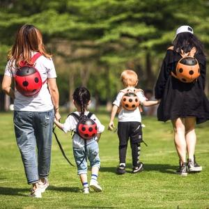 Încurajează-ți copilul să se joace! Descoperă pe www.supercutekido.ro cele mai potrivite jucării pentru micuț de sărbători!