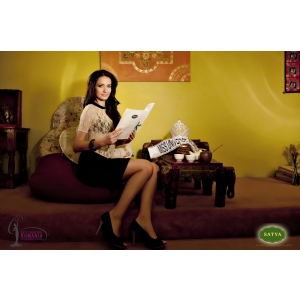 Delia Duca - Miss Universe® Romania 2012 sustine copiii din centrele de plasament