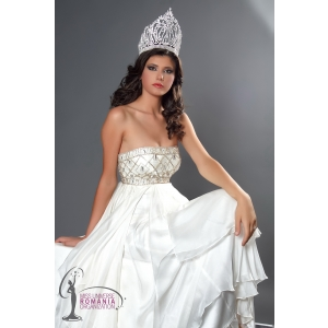 Miss Universe Romania. Oana Paveluc - Miss Universe Romania 2010