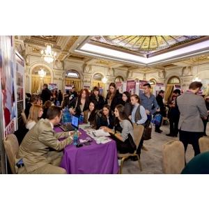World Education Fair: Tinerii romani incep sa isi caute  o facultate in strainatate inca de la varsta de 15 ani