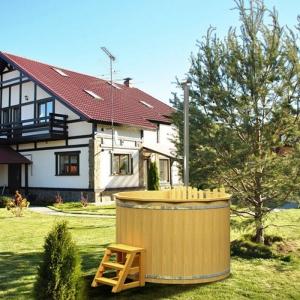 Ciubarul din lemn, o piscina rustica pentru gradina ta