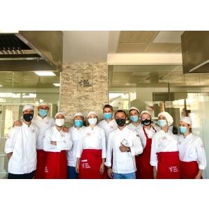 Ateliere de gătit vegan. O colaborare între Asociația Veganilor din România și ICEP Hotel School