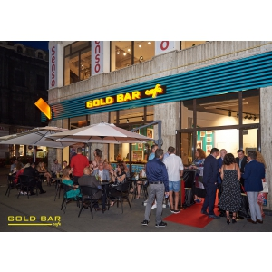 gold bar cafe. poza