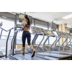 Iata 2 antrenamente pentru incepatori care te vor face sa iubesti banda de alergat