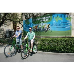 eco smile weekend 4 bikers. Green Dental a redat zambetul a peste 100 de biciclisti prin programul ECO SMILE WEEKEND 4 BIKERS