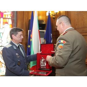bancile si statul. Şeful Statului Major General în vizită în Bulgaria