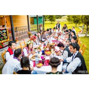 pureromania. Nuntă tradițională românească pentru doi tineri din Coreea de Sud, stabiliți în New York