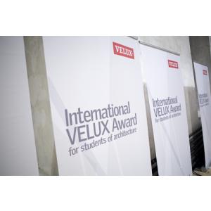 lumina albastra. A fost desemnat juriul concursului International VELUX Award 2016 pentru studenții la arhitectură