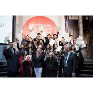 iva 2014. Câştigătorii IVA 2014 împărtăşesc responsabilitatea la nivel mondial