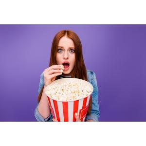 FOREO dezvaluie faptul ca binging-ul de filme horror de Halloween te poate imbatrani