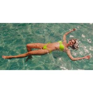 Victoria's Secret a lansat colectia de costume de baie