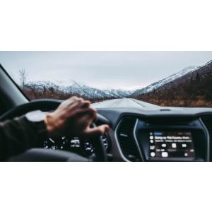 Ce comportament trebuie sa adoptati atunci cand conduceti pe timp de iarna?