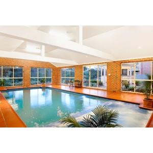 Reduceți costurile cu energia și protejați-vă investiția cu ajutorul dezumidificatoarelor pentru piscine!